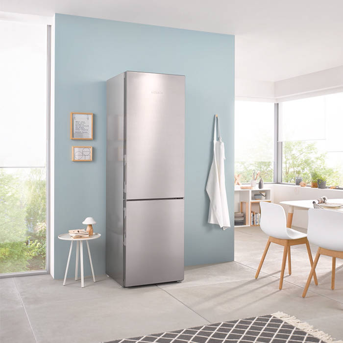 Miele KFN29233DEDT 201cm Tall Frost Free Fridge Freezer 3 Freezer Draws & With Click2Open