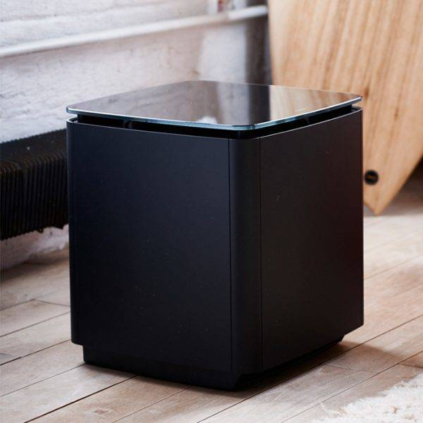 Bose SoundTouch 300 Soundbar and Acoustimass® 300 Subwoofer Package deal